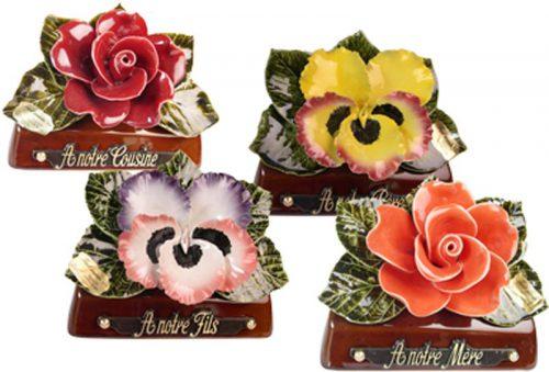 Set van 4 boeketjes rozen en violen