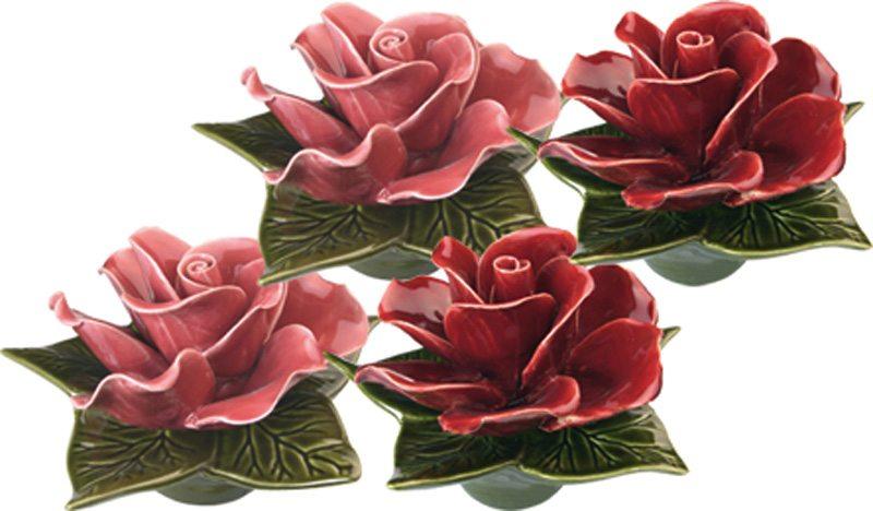 sokkel met zalm kleurige roze roos en granaat rode roos