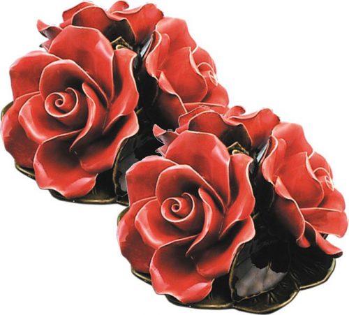 boeket met 3 koraalkleurige rode rozen majolica