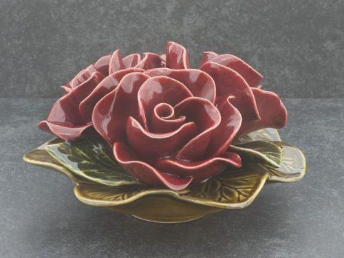 majolica bloemen van keramiek boeketje rode rozen